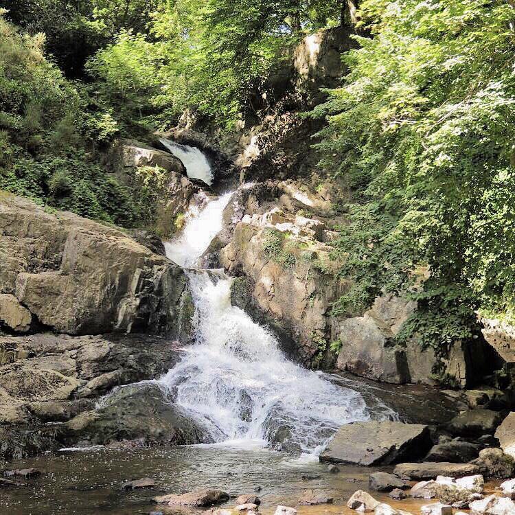 chute grande cascade mortain