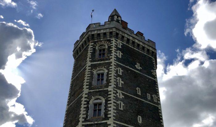chateau oudon loire a velo