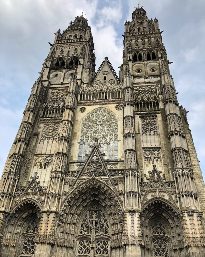 cathedrale tours loire a velo