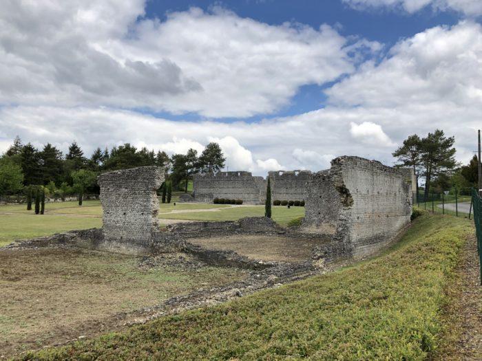 ruines thésée la romaine