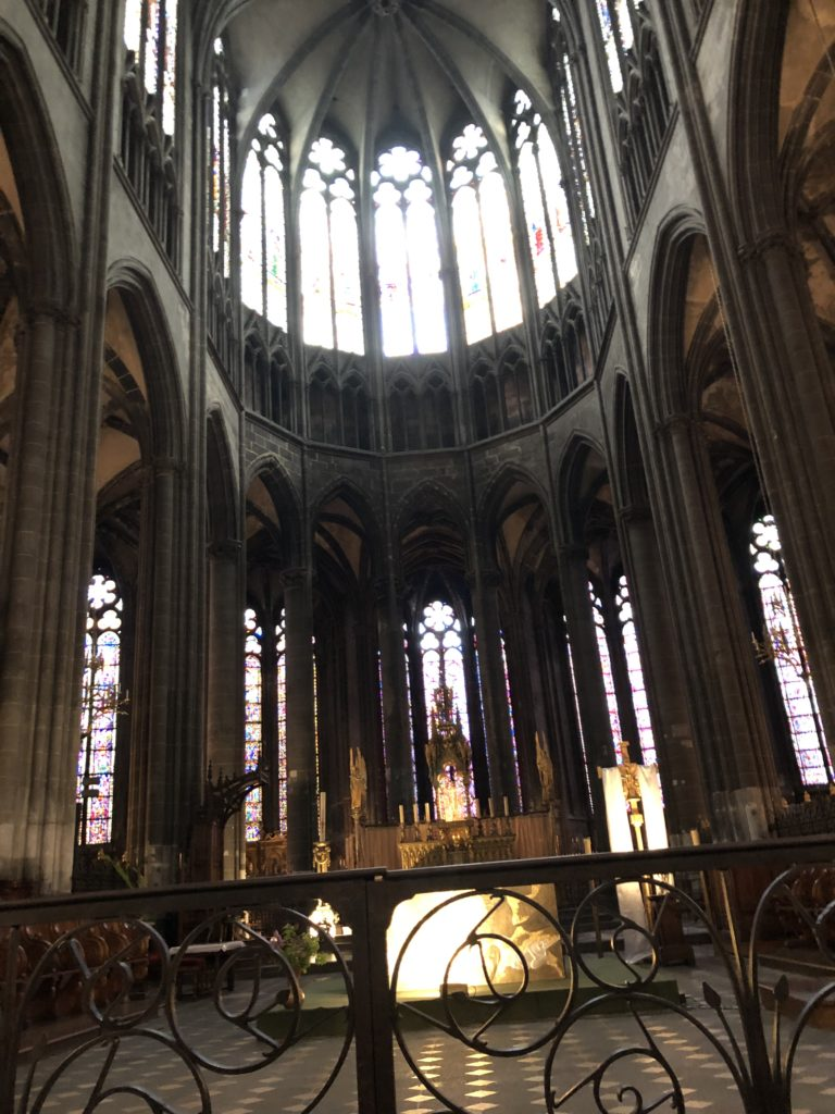 nef cathedrale clermont ferrand auvergne