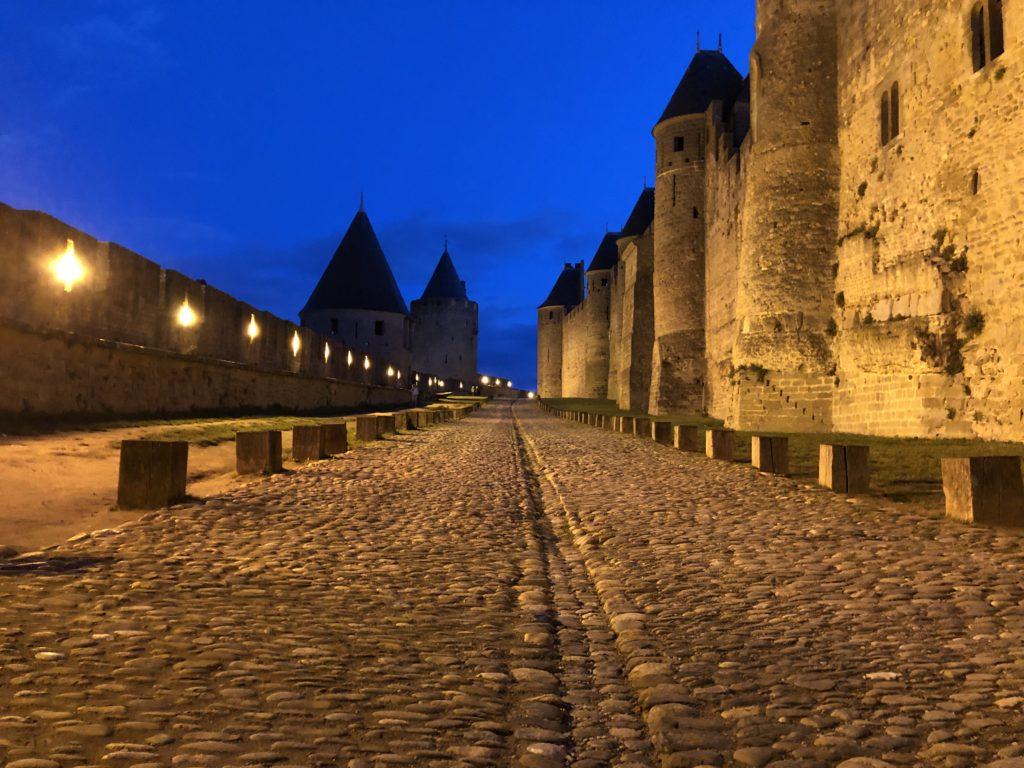 carcassonne cité médiévale nuit